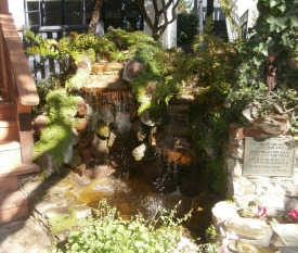 fountain at The Vagabonds Inn Picmonkey