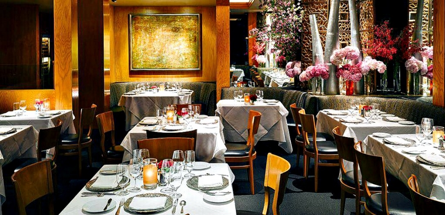 Elegannt dining room at Restaurant Gary Danko, regarded for many years as one of the best in San Francisco